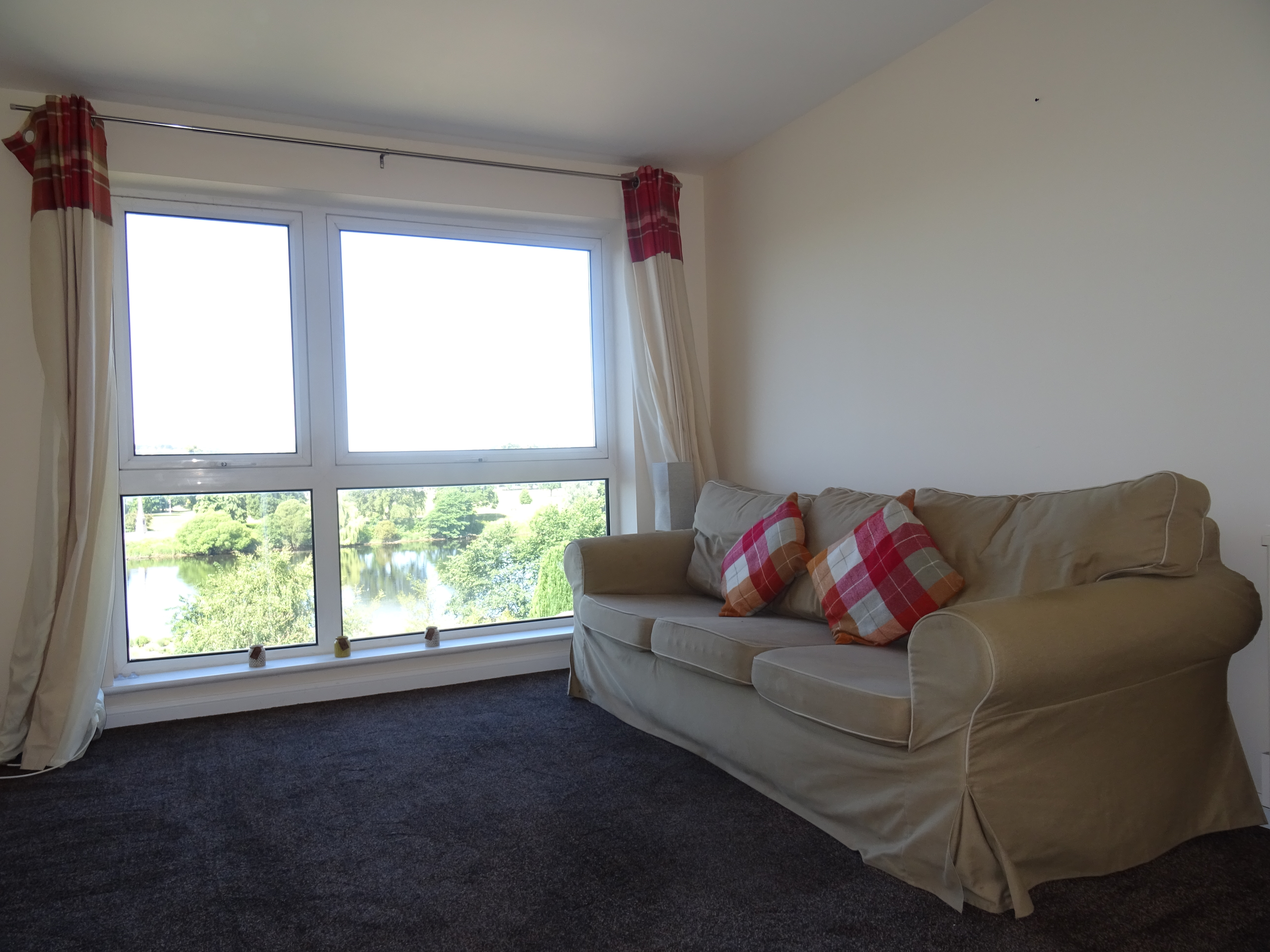 2 Bed 3rd Floor Flat – Bridgend Court, Perth