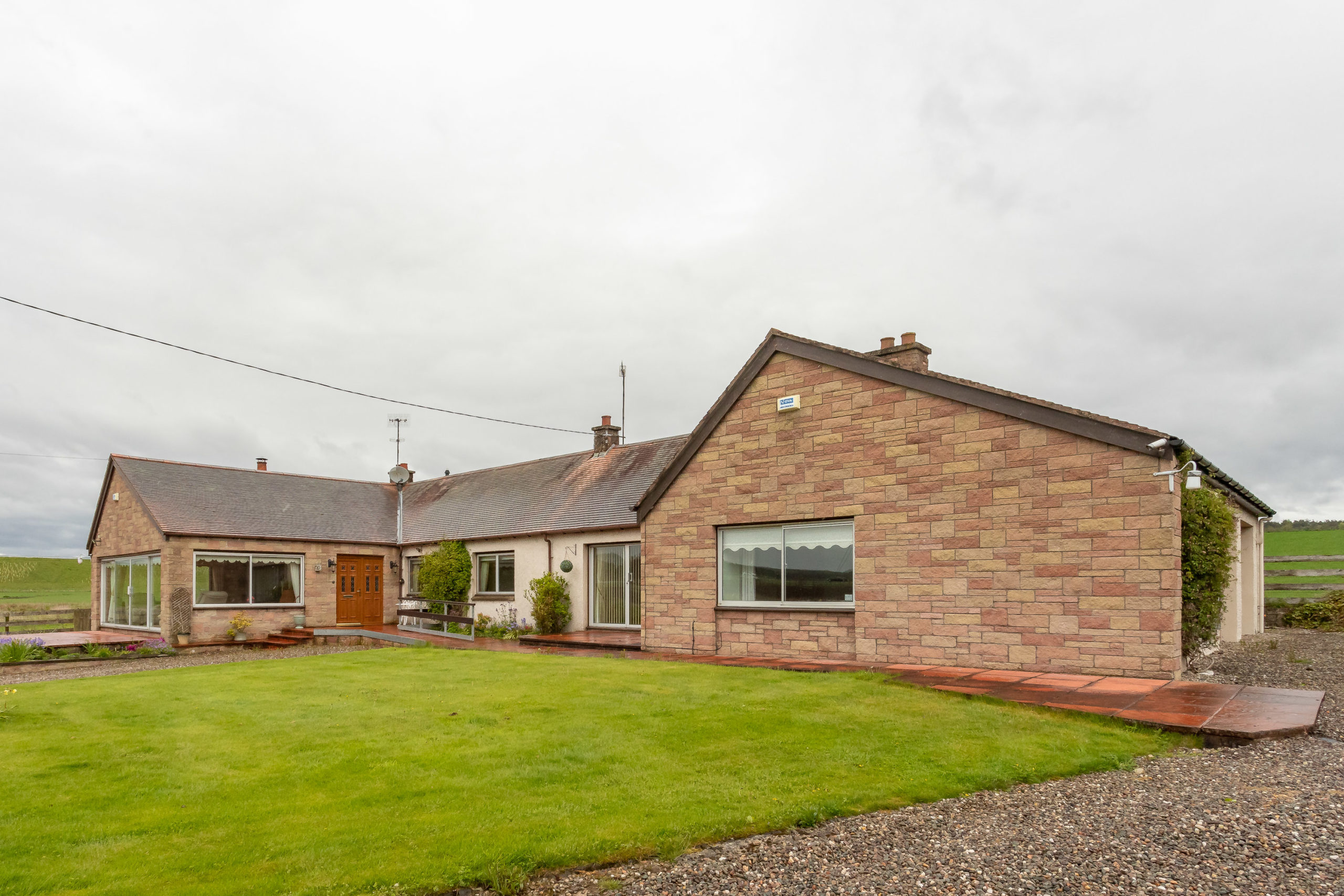 3 Bed Detached Bungalow – Rosevale House, Strathord, By Stanley, PH1 4PS