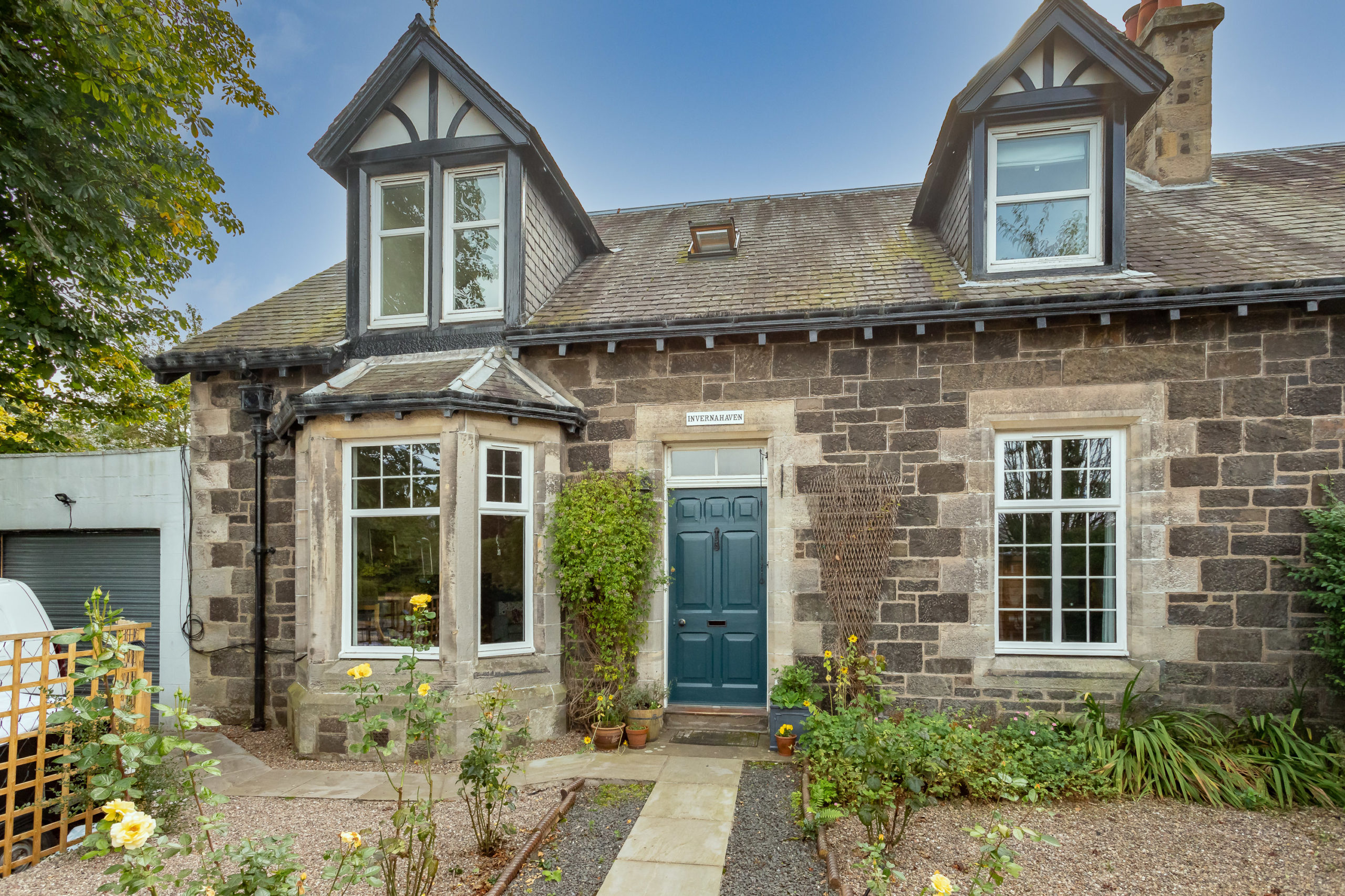 4 Bed Extended Semi Detached Villa – Invernahaven, Back Dykes, Abernethy